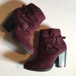 NWOT Violet Booties